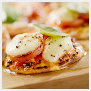 TomatoBoccociniPizza